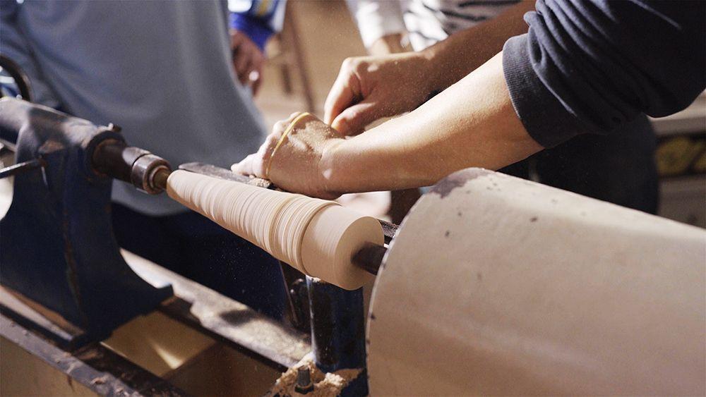 木工手做需要高度專注與細膩